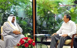 20100721025853-raul-castro-y-el-ministro-de-kuwait.jpg