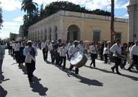 20111210193003-procesion-lam.jpg