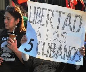 20110504202100-20100914134007-manifestacion-en-argentina-por-los-cinco-10-580x4481.jpg