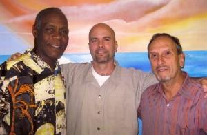 Danny Glover, Gerardo Hernández y Saúl Landau. Foto tomada el 23 de octubre de 2010