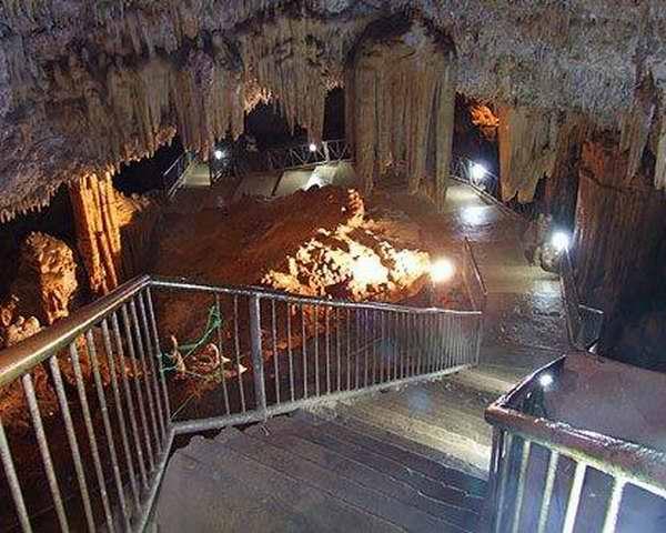 Entrada de la cueva de Bellamar, Matanzas
