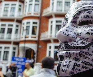 La Embajada de Ecuador en Londres está rodeada por la policía.