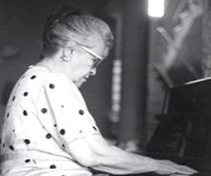 María Cervantes.