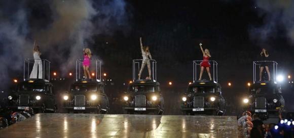 Las Spice Girls en los taxis de Londres.