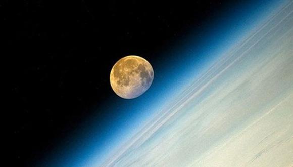 La superluna del año : Superluna desde la ISS